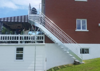 Escalier metallique exterieur et escalier metallique interieur - 879 chemin royal st-pierre | Métal Gilles Allard inc.