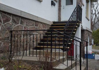 escalier avec rampe de côté Québec |Metal Gilles Allard Inc.