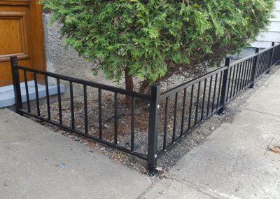 petite clôture pour arbuste en métal Québec | Metal Gilles Allard Inc.