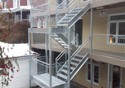 Cage d'escalier extérieur Lévis - Métal Gilles Allard